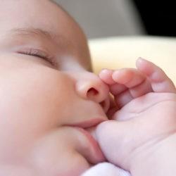 Schlaf bei Neugeborenen